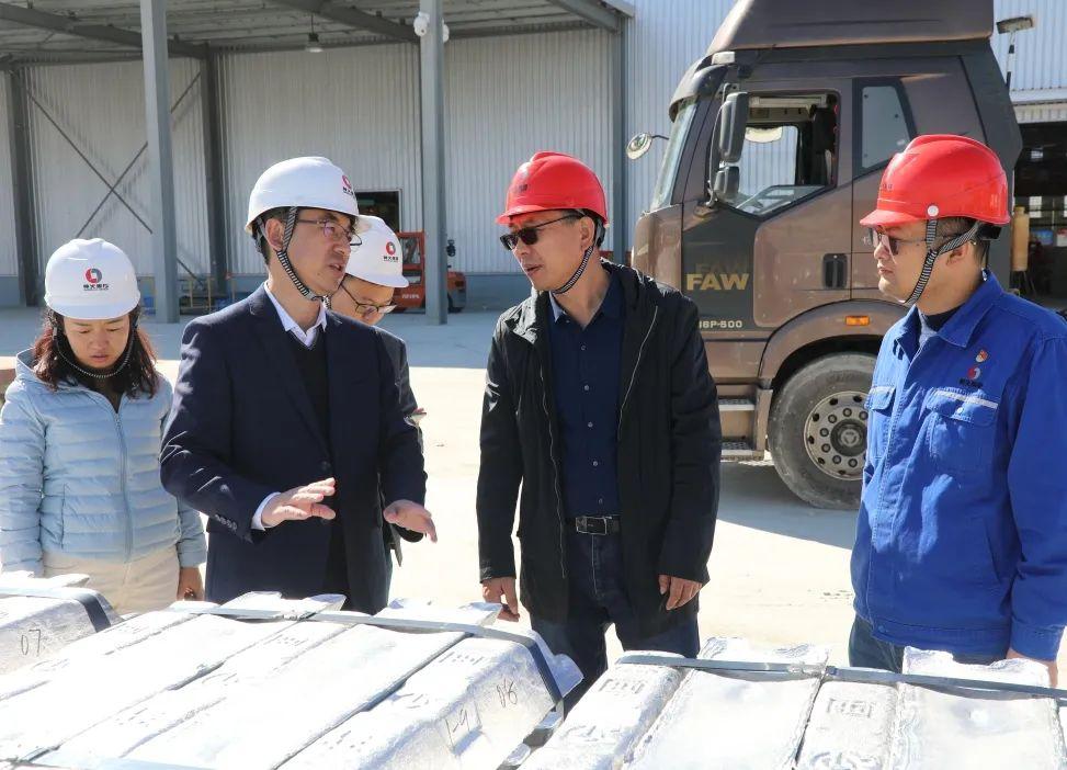 云南铝业公司副总裁宁德纲一行到云南神火参观交流