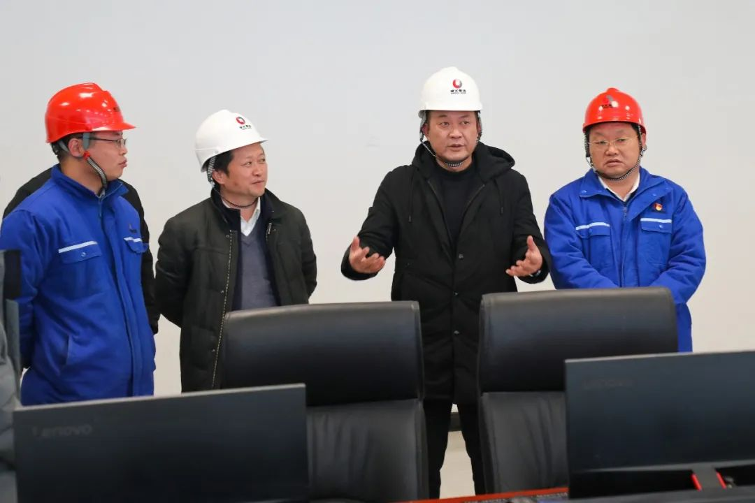 文山州工业和信息化局局长邹春明到云南神火调研