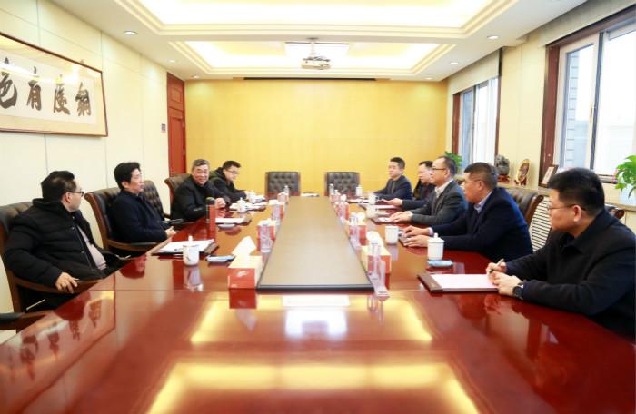 铜陵有色董事长杨军会见中国华电于学东