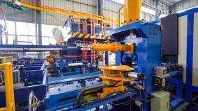 高德铝业1450T全自动智能挤压机投产成功