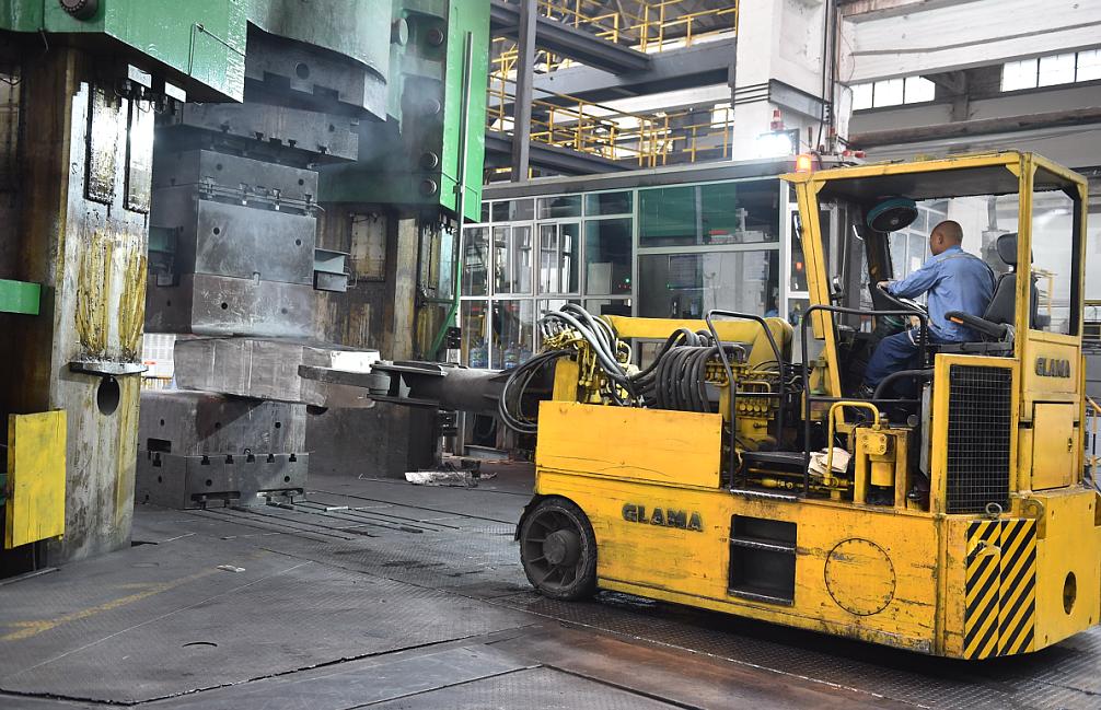 西南铝成功试制直径最大、壁厚最薄的管材