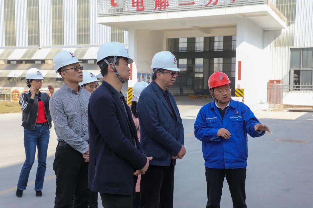 云南省发展改革委副主任周民欣到云南神火调研