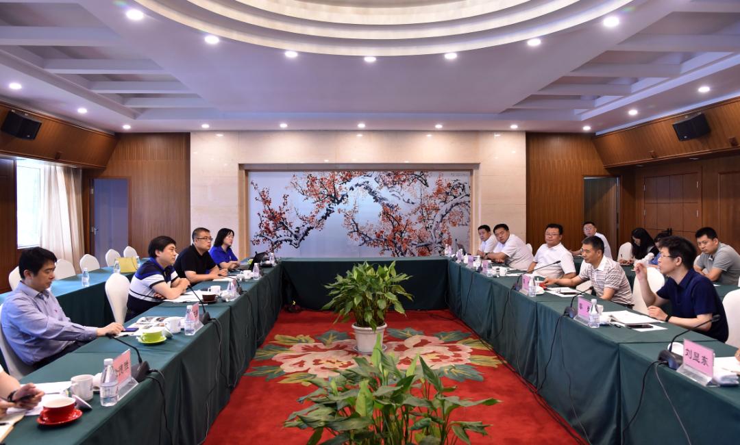 中国商飞科技管理部部长叶伟到西南铝调研
