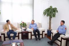 中国有色金属报社社长张湘斌到中铝东轻交流访问