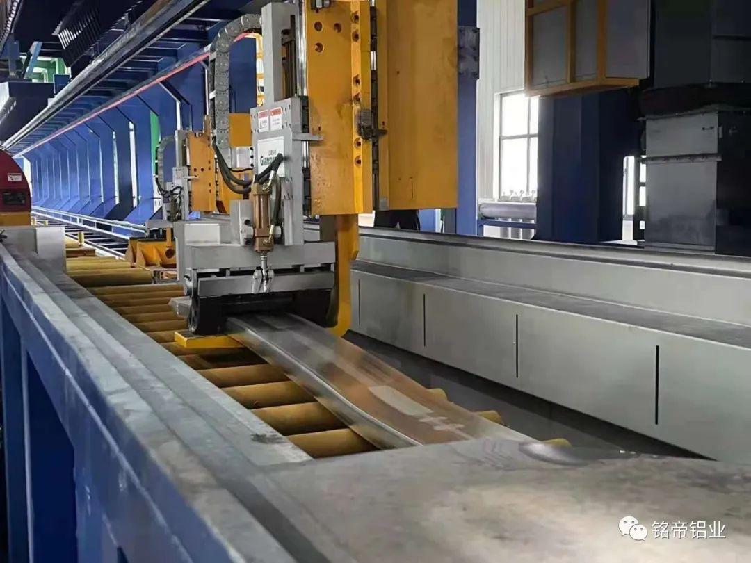 铭帝集团7500吨卧式挤压机首次试机成功