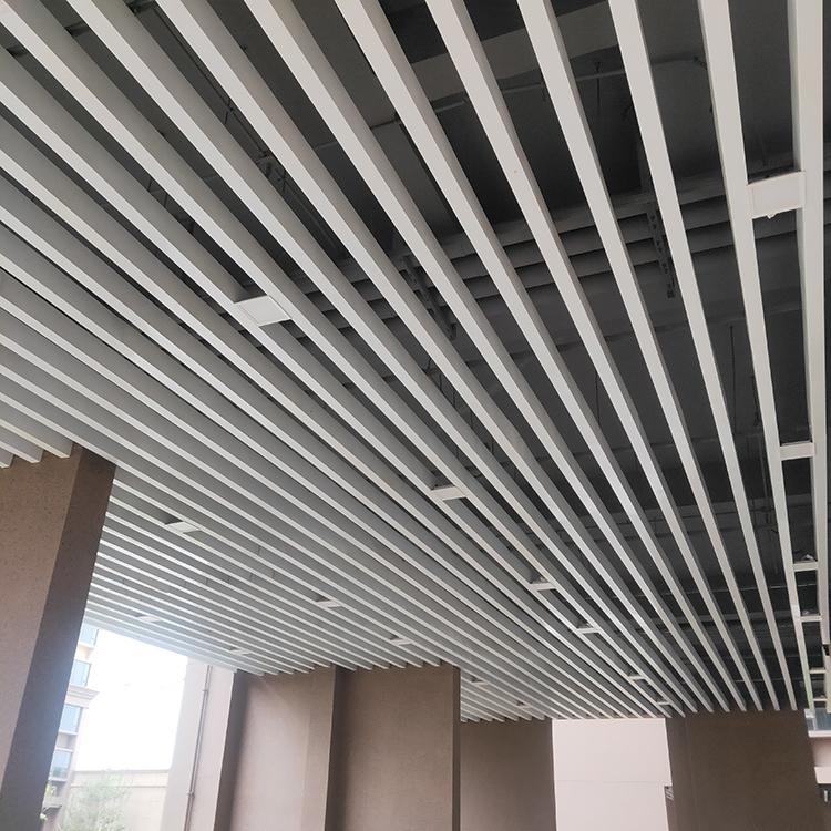 住宅小区一楼吊顶格栅 白色铝方通