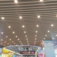 木纹铝方通武汉光谷铝格栅吊顶
